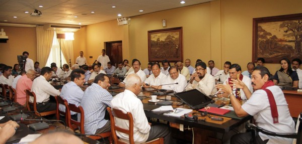 President Mahinda Rajapaksa with editors of government and private media institutions-June 21, 2013