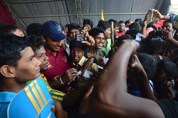 Sangakkara mobbed by Tamil youths in the north -pic courtesy of: Sportskeeda