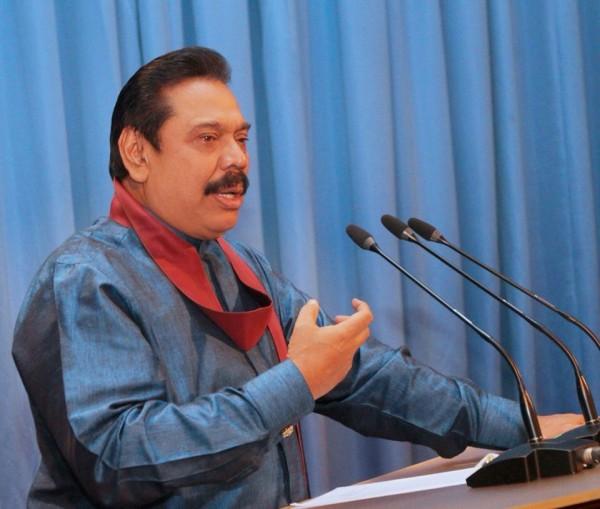 pic via: facebook.com/PresidentRajapaksa