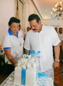 69th Birthday Celeberations-Mov, 18, 2014-pic via: facebook.com/PresidentRajapaksa