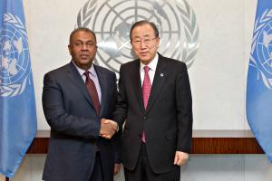 Foreign Minister Mangala Samaraweera met UN Ban ki-moon on 13 February 2015-pic: twitter.com/MEA_Sri_Lanka