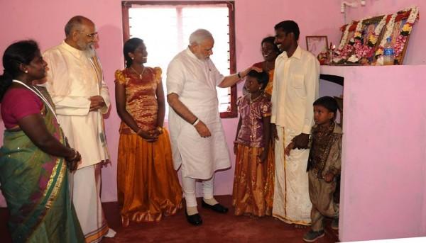 pic via: facebook.com/narendramodi