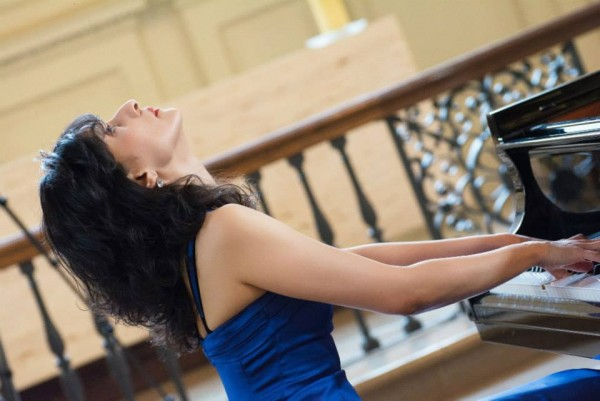 Dr. Tanya Ekanayaka performing at her CD release recital in London on 17 March 2015 - pic: facebook.com/grandpianorecords