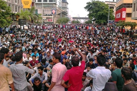 Students demonstrate in central Colombo