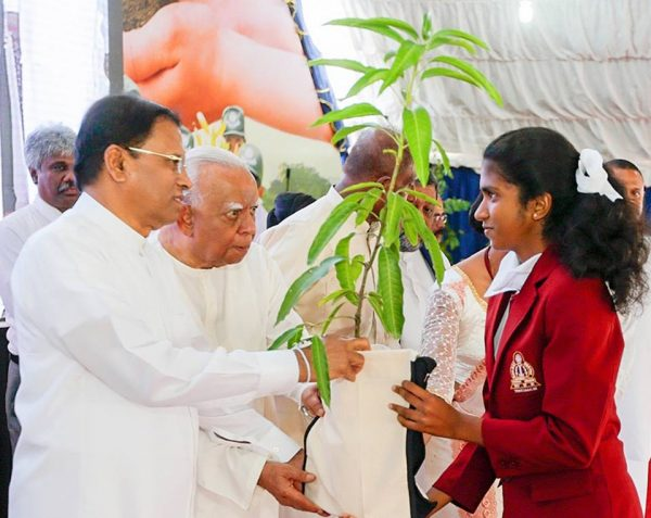 President Maithripala Sirisena and Leader of the Opposition, R Sampanthan in Trincomalee, Oct 21, 2016